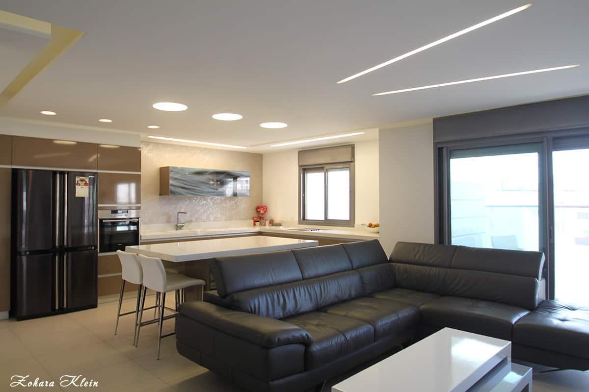 עיצוב מטבח מודרני משולב בתאורה חסכונית