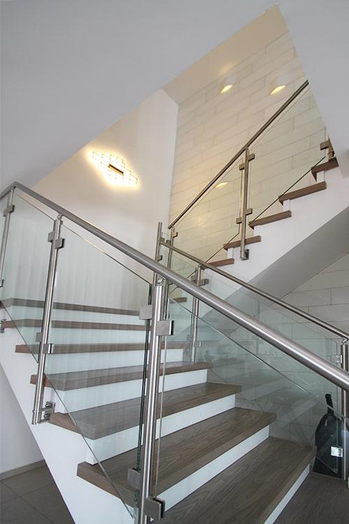 תאורת מדרגות בפנטהאוז